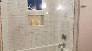 Bathroom 4: tub/shower combination